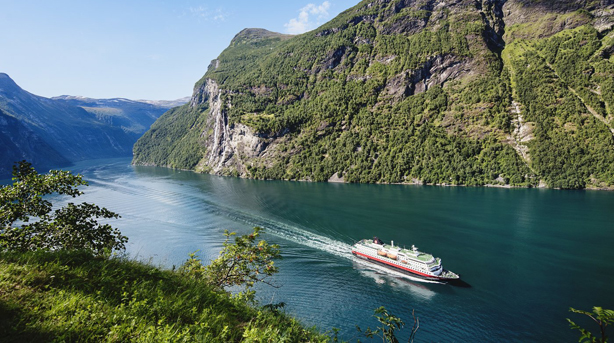 Expedition Cruises in Norway with Hurtigruten