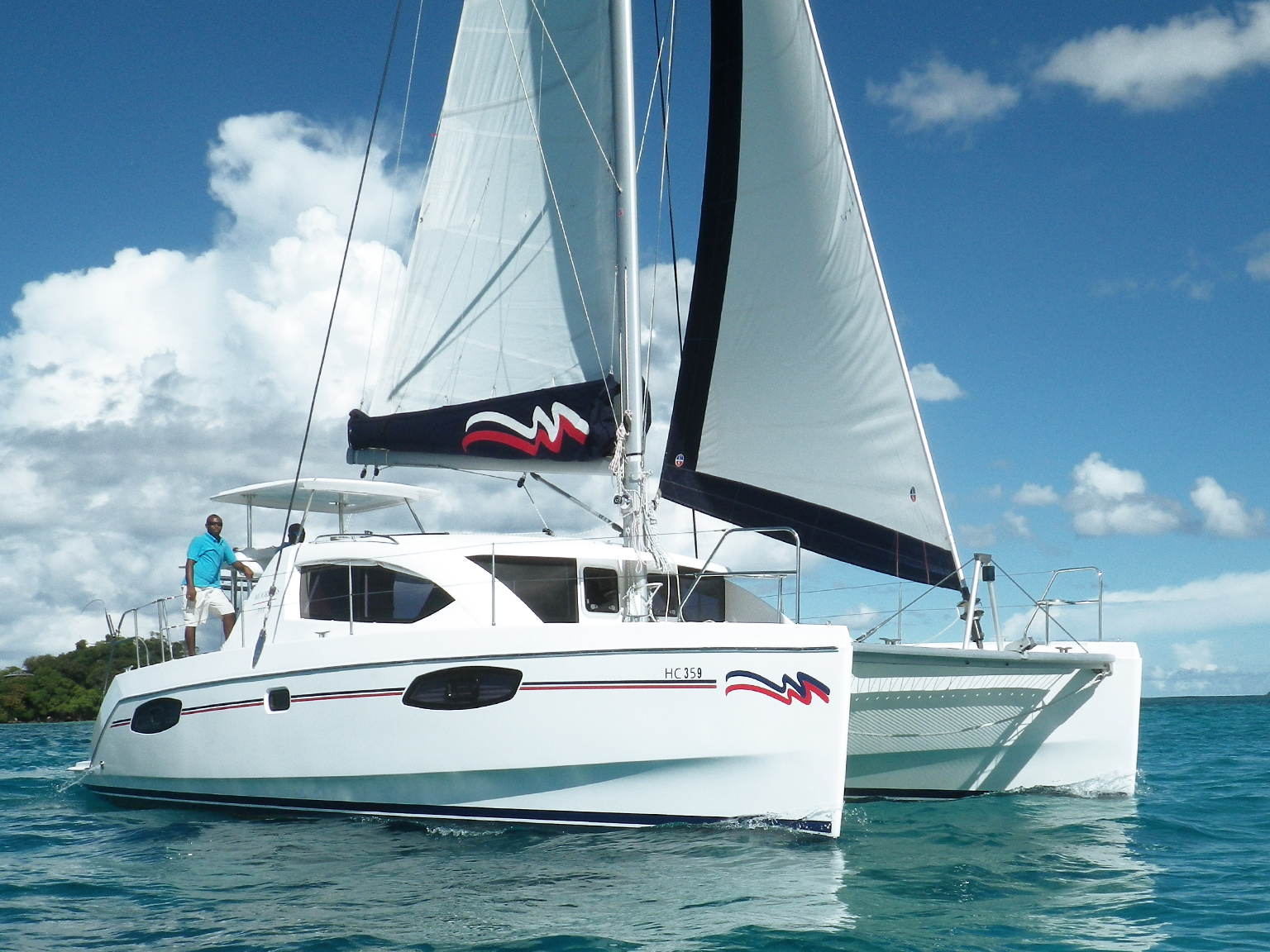 Sailing Catamaran: Moorings 3900 - 3 Cabin Catamaran