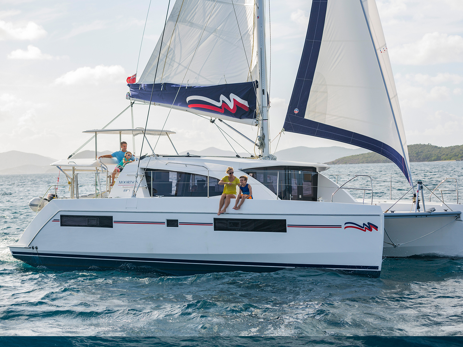 Sailing Catamaran: Moorings 4000 - 3 Cabin Catamaran