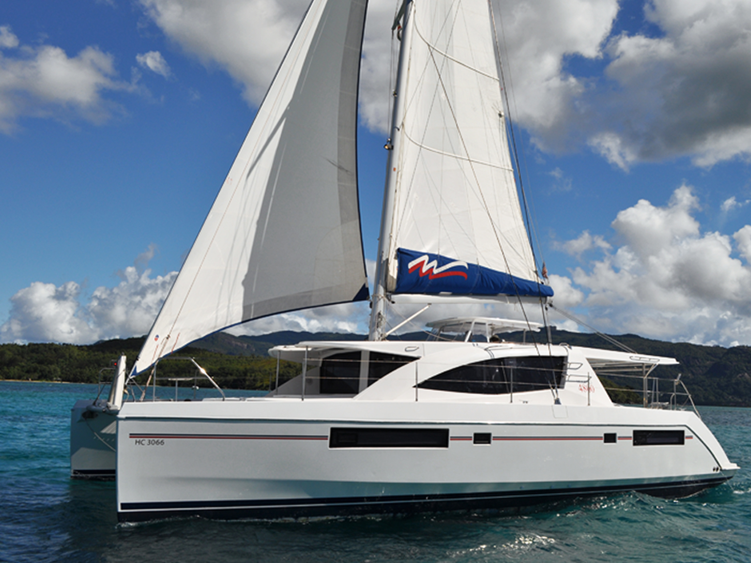 Sailing Catamaran: Moorings 4800 - 4 Cabin Catamaran