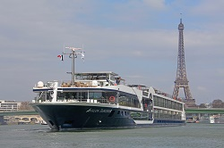 19-night Grand France with 2 Nights in Nice and 3 Nights in Barcelona for Wine Lovers Southbound Cruise/Land Package