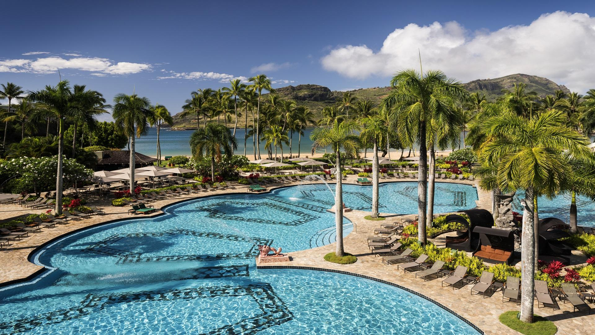 With dramatic water features and ample room for every guest, our Kauai beach hotel offers an amazing Hawaiian vacation.