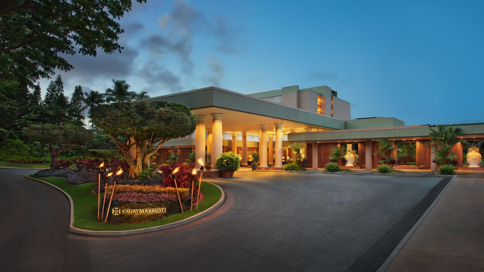 Warm island hospitality meets the idyllic location at Kaua'i Marriott Resort, with over 27,000 square-feet of flexible meeting space adjacent to the 18 hole championship Hokuala Golf Course.