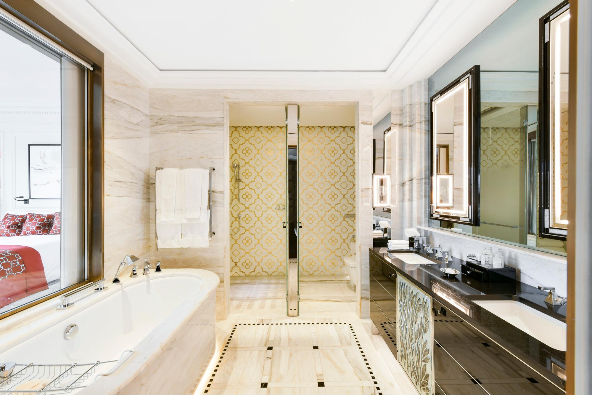 Savoy Suite Bathroom