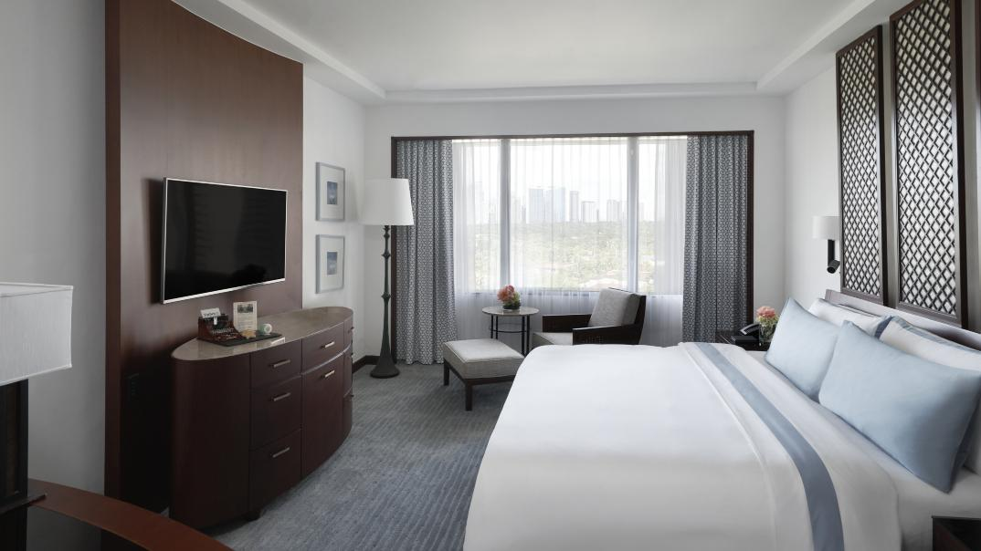 Renovated Executive Suite Bedroom