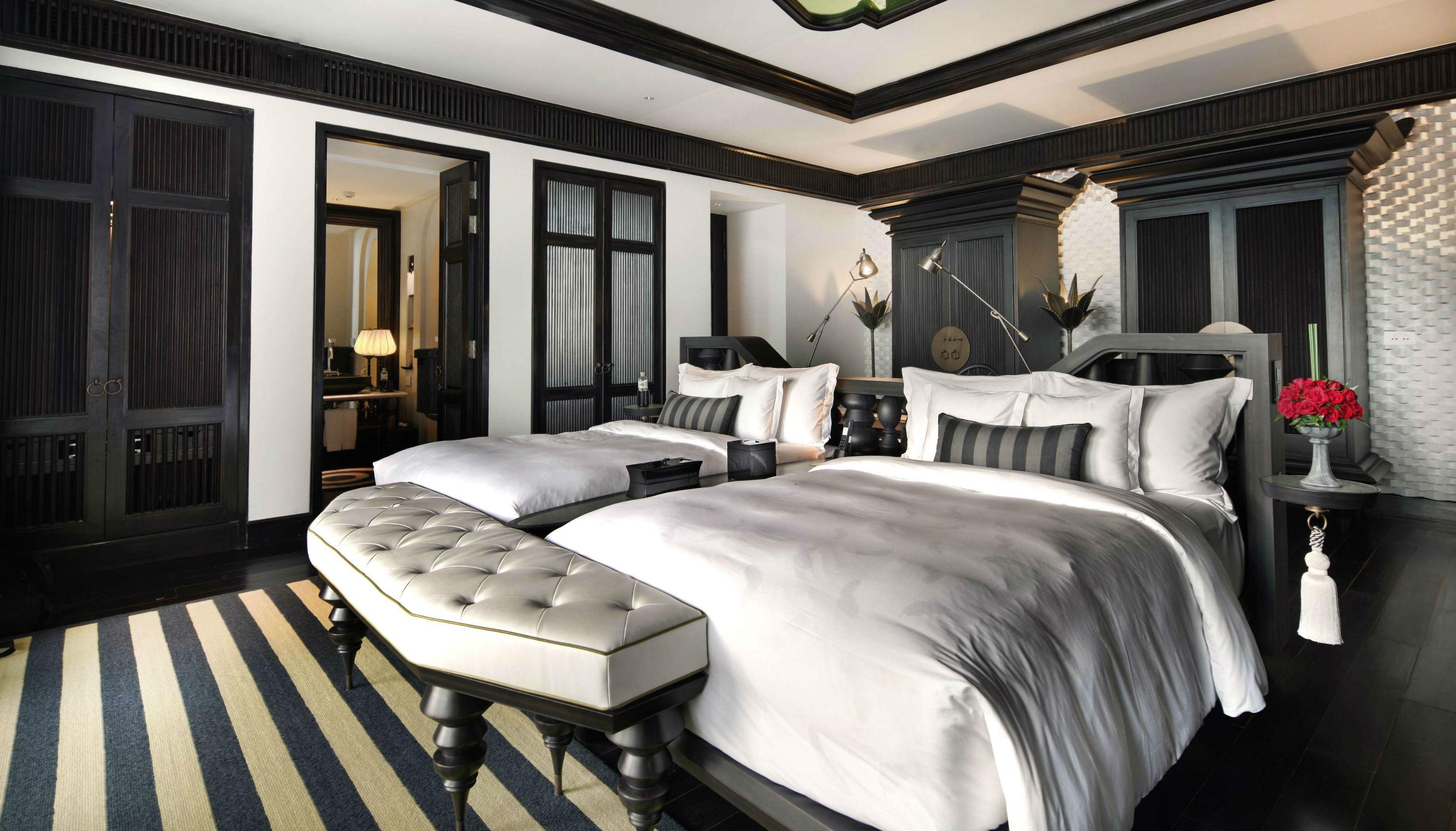 Intercontinental danang sun peninsula resort for Hotel club decor