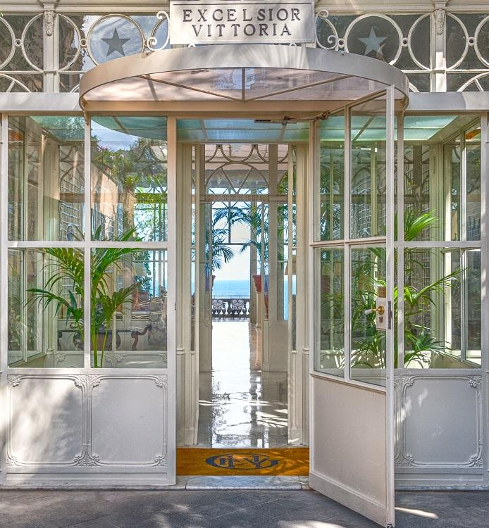 Grand Hotel Excelsior Vittoria Exclusive Offers Amenities