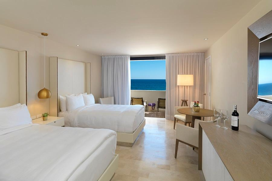 Royal Service Ocean Front suite