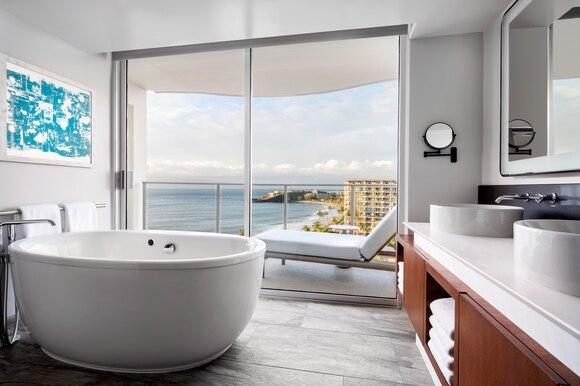 Beach Tower - Premier Suite Bathroom